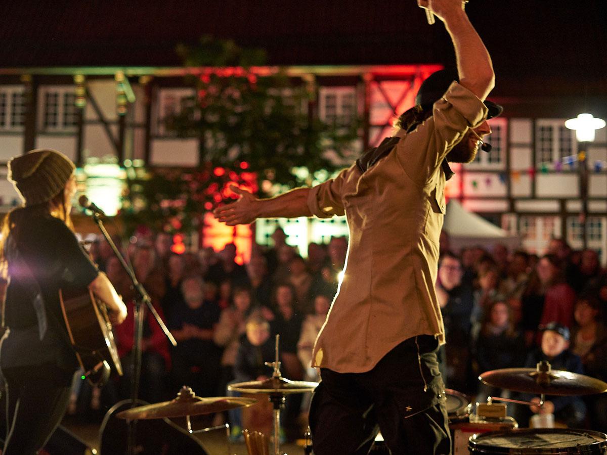 Felice & Cortes – Selling Stories – Strassenkunst Festival Werne